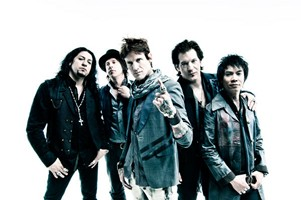Buckcherry Looking To Release New Album In Spring Of 2012