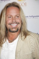 Vince Neil To Be Honored With Lifetime Achievement Award