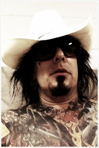Nikki Sixx Calls Poison Fans 'Scared Little Mice'
