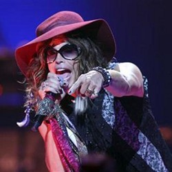 Steven Tyler Loses Two Teeth After Falling In Shower