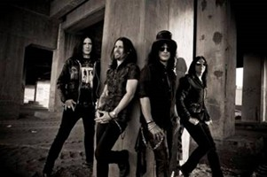 Slash Reveals Tour Dates, New Album Coming In May