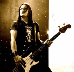 Robbie Crane Decides To Quit Ratt