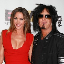 Nikki Sixx Proposes To Girlfriend Courtney Bingham