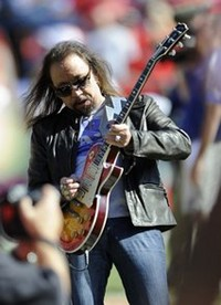 Ace Frehley To Kiss And Tell With Memoir