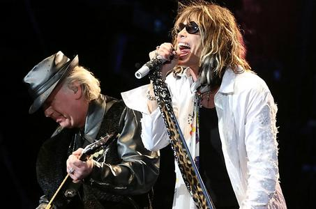 Aerosmith's Joe Perry Frustrated By Tour Calamities