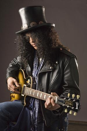 Slash And Classic Rock Magazine Announce Unique Tie-In