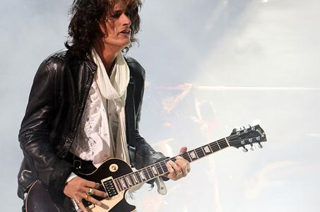 Joe Perry Says Aerosmith Won't Wait For Steven Tyler