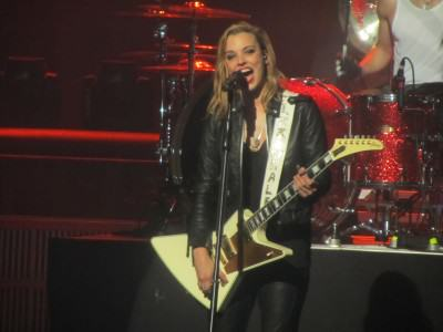 "Halestorm release cover of AC/DC's ""Mistress For Christmas ..."