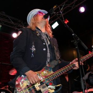 """Enuff Z'Nuff frontman Chip Z'Nuff opines on what bands need to do to have """"a chance"""""""