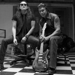George Lynch fairly certain that singer Oni Logan will join him for next Lynch Mob record due next year