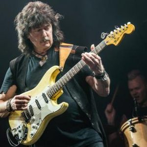 Ritchie Blackmore told he's been through 26 musicians in Rainbow because he doesn't pay anybody