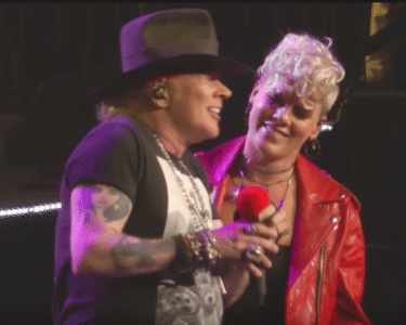 Video Footage Of Guns N Roses Playing Patience With Pink At Madison Square Garden Sleaze Roxx