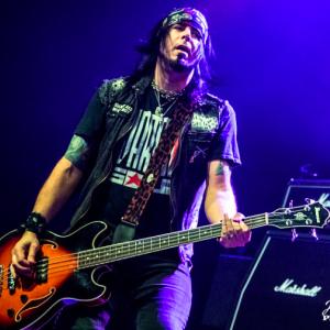 Kickin Valentina bassist Chris Taylor Interview