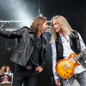 """Vandenberg's MoonKings release video for new track """"Tightrope"""""""
