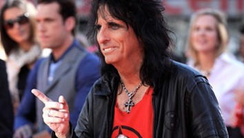 Alice Cooper Offers Words Of Wisdom For Lindsay Lohan