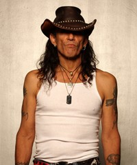 Ratt's Stephen Pearcy Finishing Up 'Sucker Punch' And Working on Book