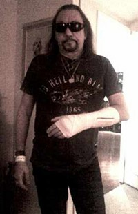 Ace Frehley Cancels UK Dates Due To Fractured Wrist