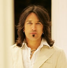 Stryper Singer Working On New Solo Album And Book