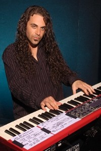 Keyboardist Michael T. Ross Returns To Italy