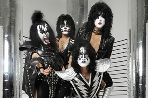 KISS Invite Rolling Stones And U2 To 'Come Play With Us'