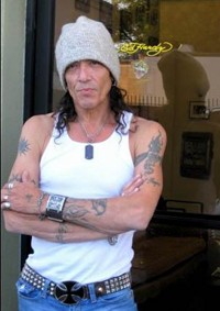 Stephen Pearcy To Release 'Battering Ramm' Compilation