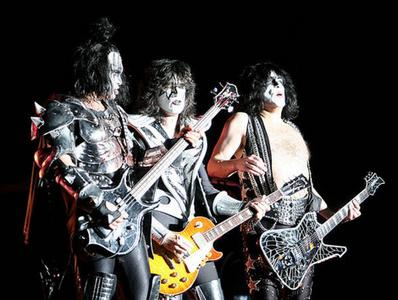 Kiss Donate Instruments To School