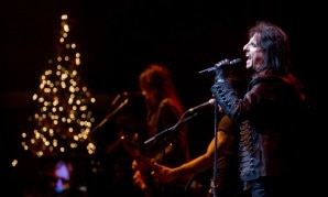 Alice Cooper's Christmas Pudding Rocks With Dee Snider, Warrant And Lita Ford