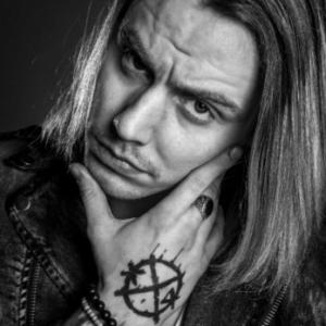 Interview with Crashdïet's frontman Gabriel Keyes
